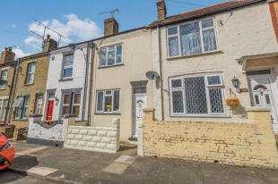 2 Bedrooms Terraced House for sale in Devonshire Road, Gillingham, Kent