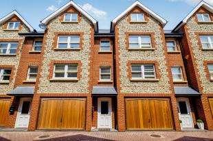 3 Bedrooms Terraced House for sale in Denes Mews, High Street, Rottingdean, East Sussex