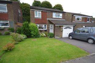 4 Bedrooms Detached House for sale in Willowmead, Crowborough, East Sussex