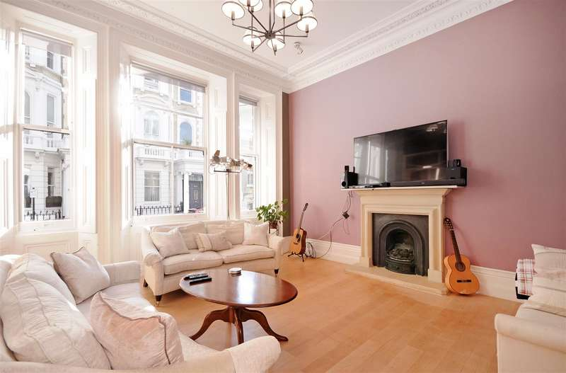 3 Bedrooms Flat for sale in Cornwall Gardens, South Kensington, SW7