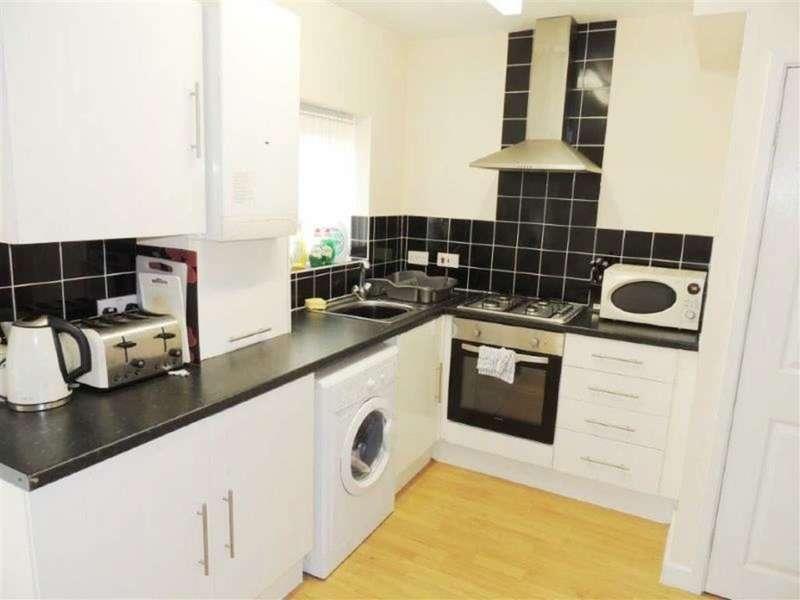 2 Bedrooms Property for sale in Coronation Road, Droylsden, Manchester