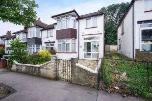 3 Bedrooms End Of Terrace House for sale in Ena Road, London