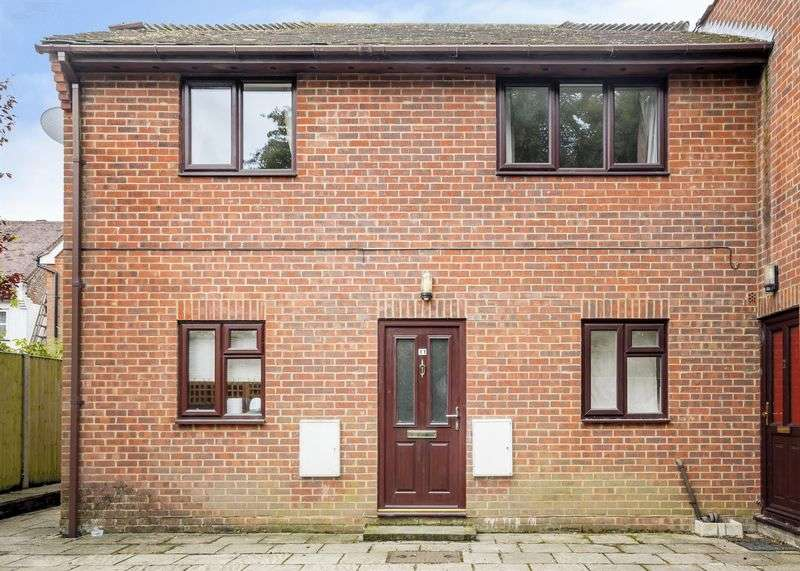 2 Bedrooms Flat for sale in FOR SALE BY MODERN METHOD OF AUCTION