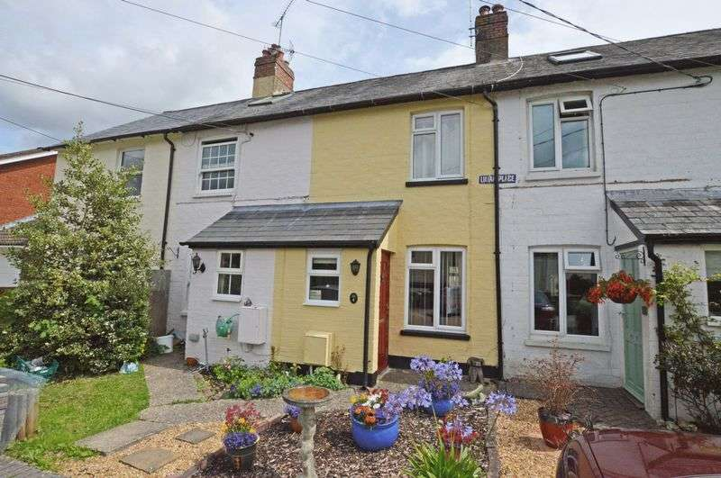2 Bedrooms Terraced House for sale in Lower Farringdon, Alton, Hampshire