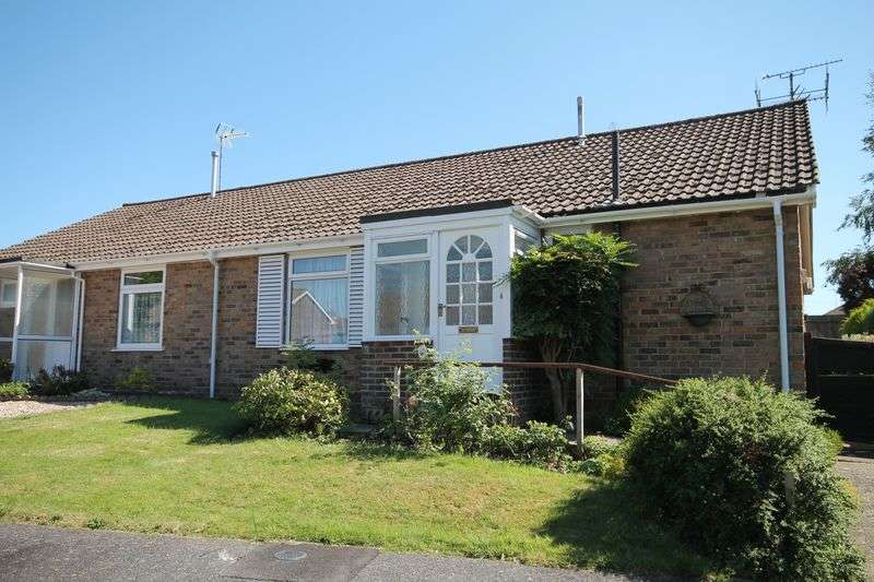 2 Bedrooms Semi Detached Bungalow for sale in Ockley Way, Keymer, West Sussex,