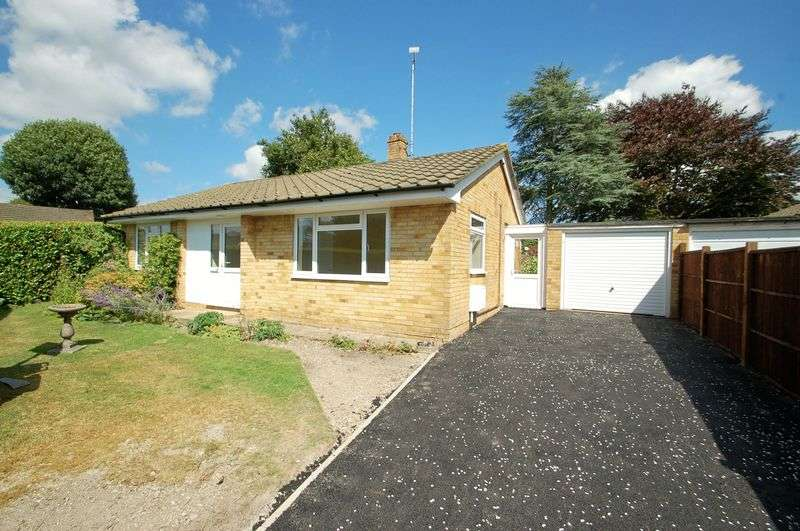 2 Bedrooms Detached Bungalow for sale in Heatherfield, BURITON, Hampshire