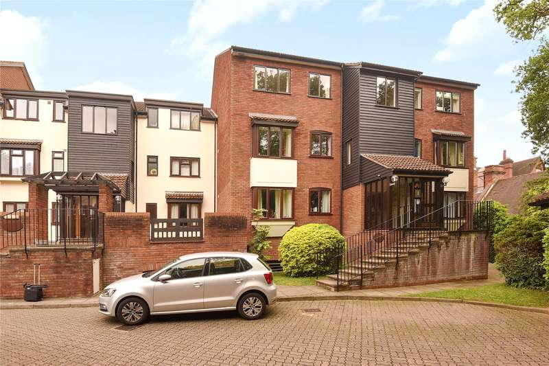 2 Bedrooms Apartment Flat for sale in Oakdene Close, Westfield Park, Hatch End, Middlesex, HA5