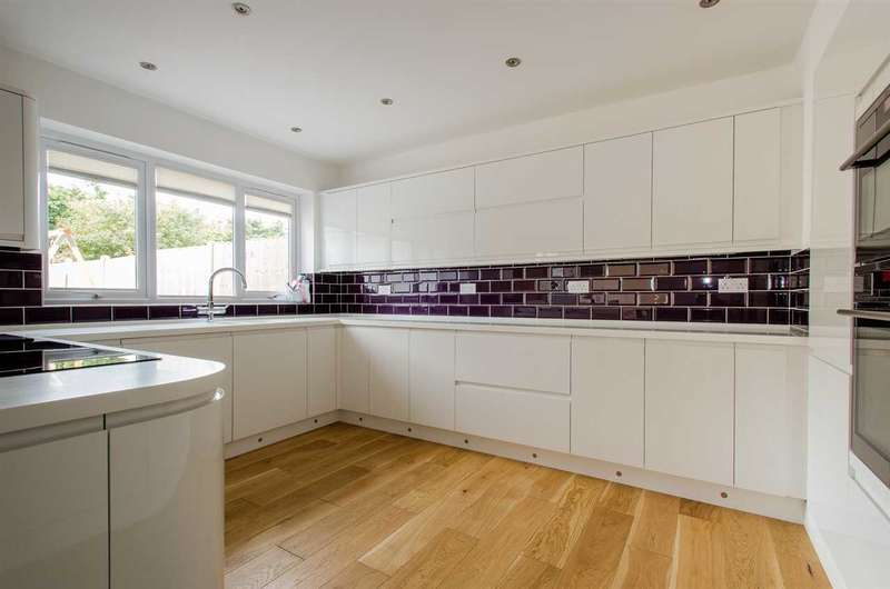 4 Bedrooms Semi Detached House for sale in Hales Road, Sittingbourne