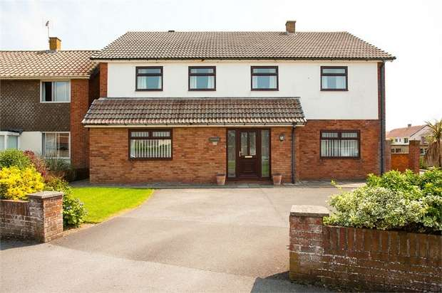 4 Bedrooms Detached House for sale in The Whimbrels, Porthcawl, Mid Glamorgan