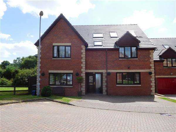 6 Bedrooms Detached House for sale in Lawrence Court, Caerwent