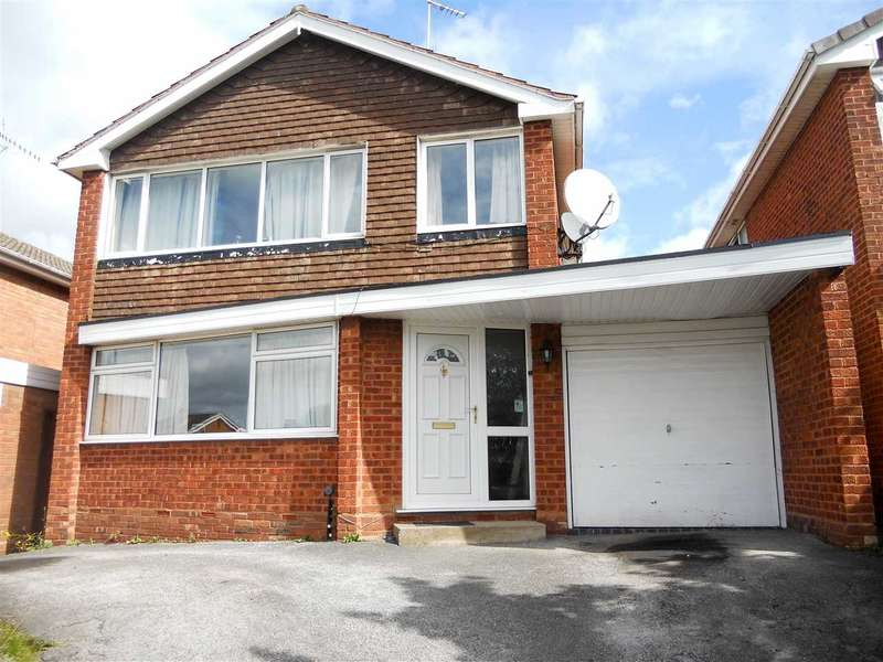 4 Bedrooms Detached House for sale in Redruth Road, Park Hall, Walsall