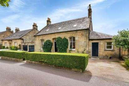 4 Bedrooms Detached House for sale in Albert Place, Stirling