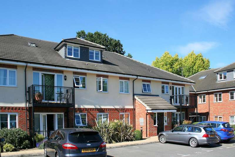 2 Bedrooms Flat for sale in Cottonham Close, North Finchley, N12