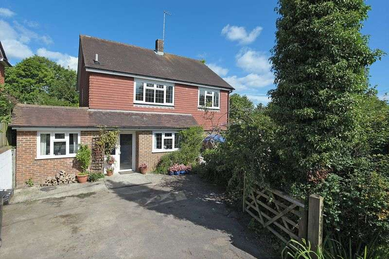 4 Bedrooms Detached House for sale in Clackhams Lane, Crowborough, East Sussex
