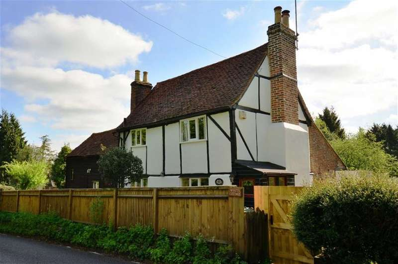 3 Bedrooms Property for sale in Redhall Lane, Chandlers Cross, Hertfordshire, WD3