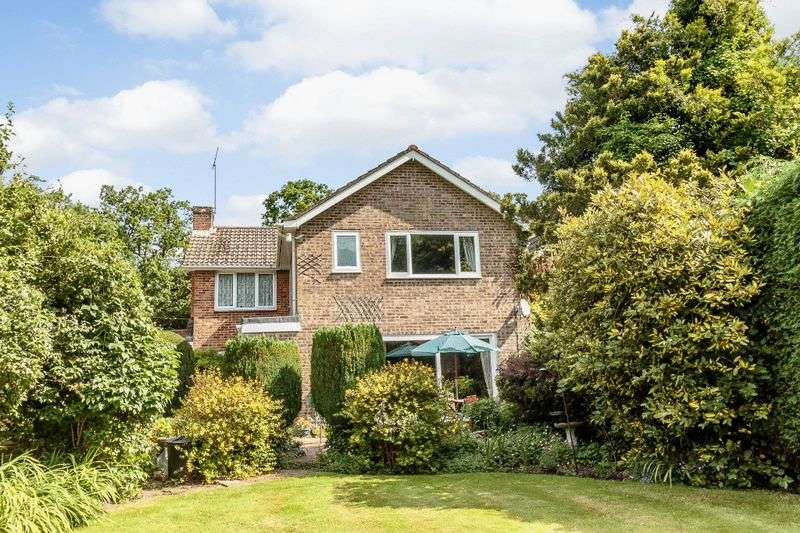 5 Bedrooms Detached House for sale in North Baddesley, Southampton, SO52 9LY