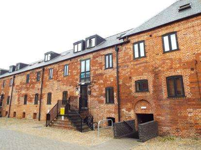 2 Bedrooms Flat for sale in Dereham