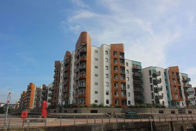 3 Bedrooms Flat for sale in Newfoundland Way, Portishead