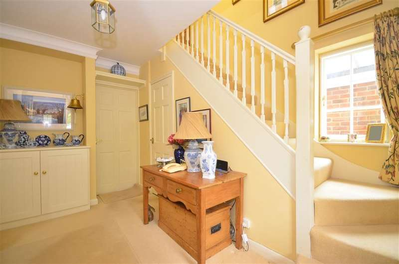 3 Bedrooms Detached House for sale in The Green, Blackboys, Uckfield, East Sussex