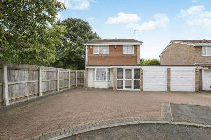 4 Bedrooms Detached House for sale in Wragby Close, Pendeford, Wolverhampton, West Midlands