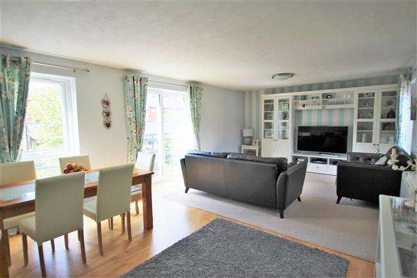 2 Bedrooms Apartment Flat for sale in Princes Reach, Aston On Ribble, Preston
