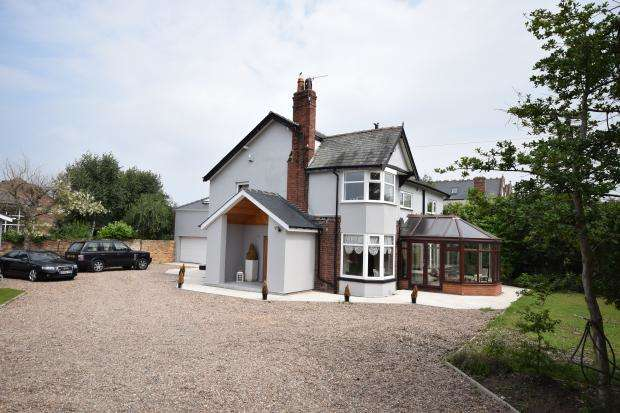 4 Bedrooms Detached House for sale in Hayden Manor, Coldyhill Lane, Scarborough, YO12 6SF