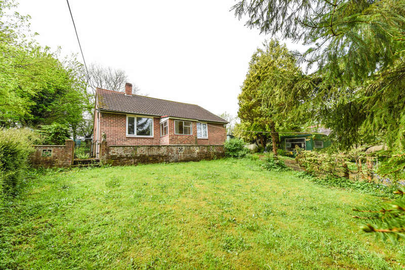 2 Bedrooms Detached Bungalow for sale in Lith Lane, Horndean
