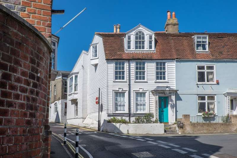 4 Bedrooms Cottage House for sale in Cowes, Isle of Wight
