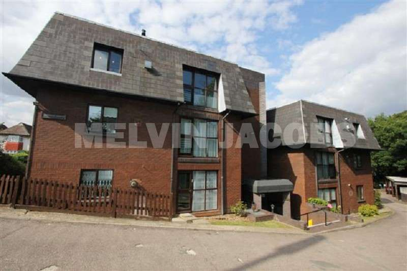 2 Bedrooms Flat for sale in Greville Lodge, Broadhurst Avenue, Edgware, Greater London. HA8 8TL
