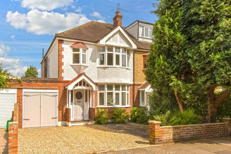 3 Bedrooms Semi Detached House for sale in Grove Park Gardens, Chiswick, London, W4