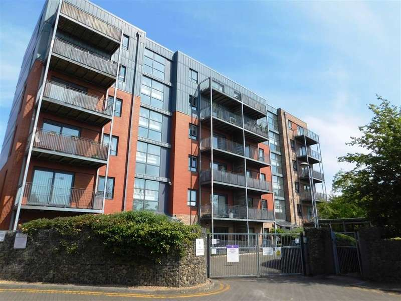 2 Bedrooms Property for sale in The Waterfront, Manchester, Manchester