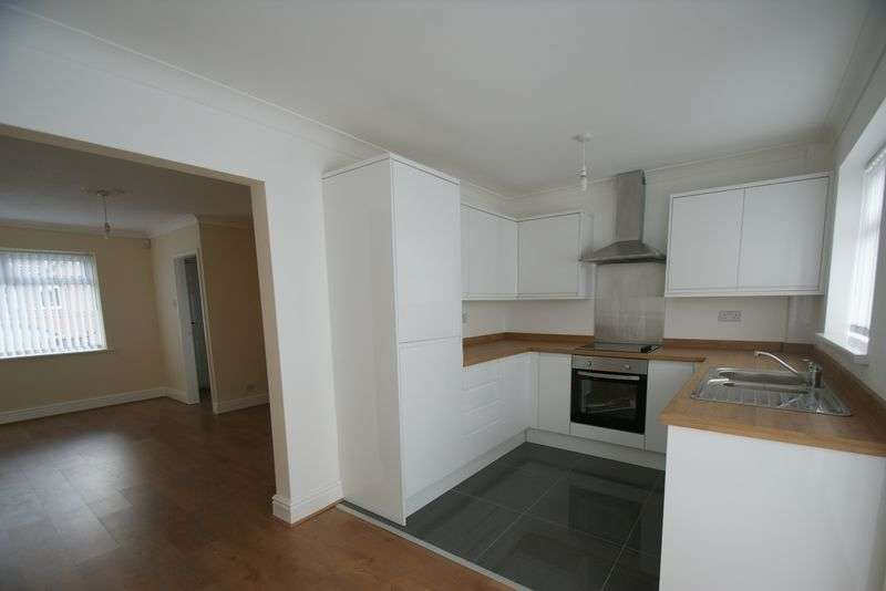 3 Bedrooms Semi Detached House for sale in Lloyd Close, Liverpool