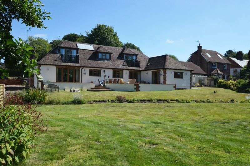 5 Bedrooms Detached Bungalow for sale in Sandy Lane, Kingsley, Hampshire