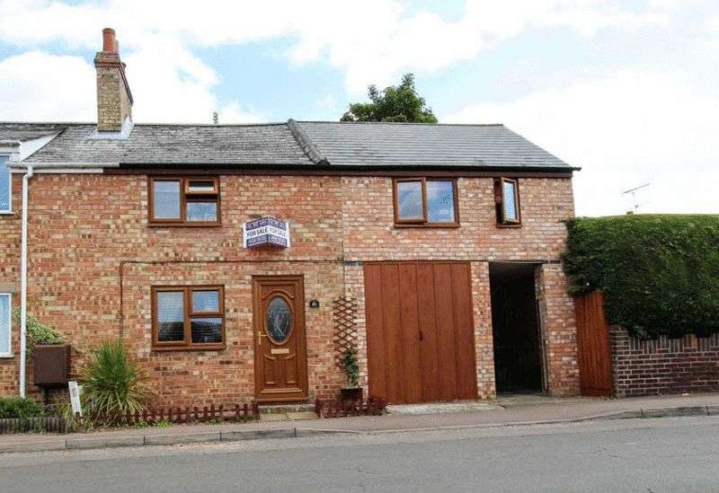 4 Bedrooms Semi Detached House for sale in Mereside, Soham
