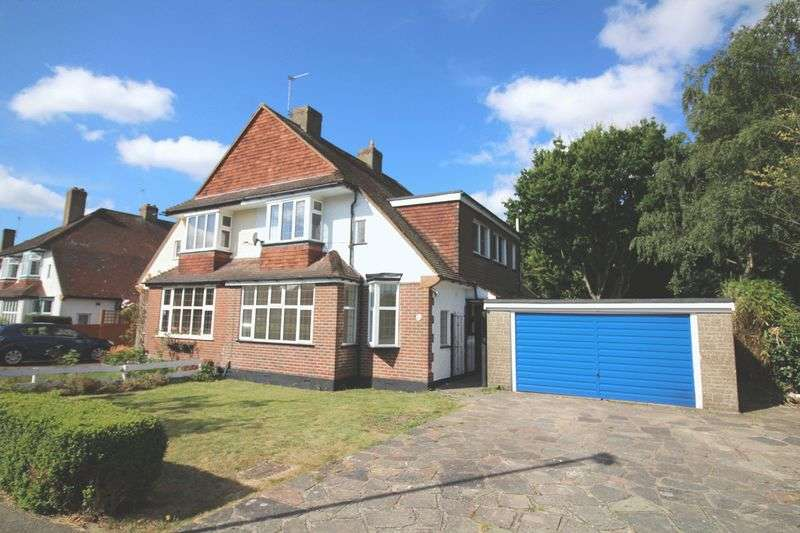 4 Bedrooms Semi Detached House for sale in Mitchley Grove, Sanderstead, Surrey