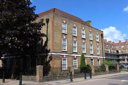 2 Bedrooms Maisonette Flat for sale in Collingwood Street, London