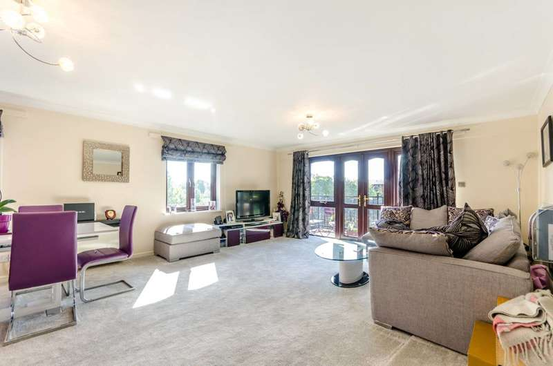 2 Bedrooms Flat for sale in Fletcher Street, Tower Hill, E1