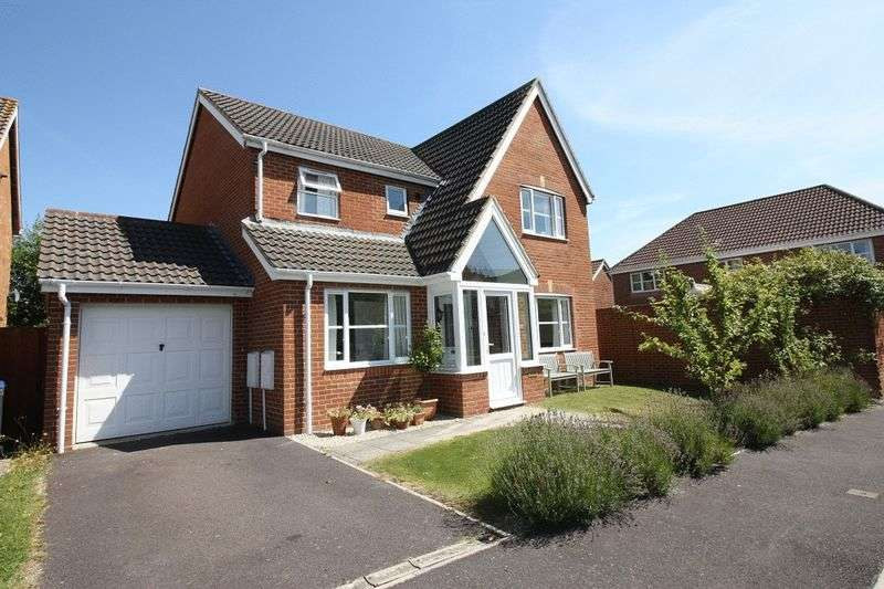 5 Bedrooms Detached House for sale in Longhill Drive, Salisbury