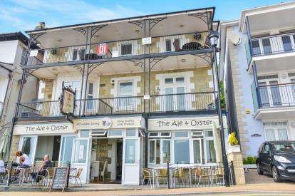 2 Bedrooms Flat for sale in Esplanade, Ventnor, Isle Of Wight