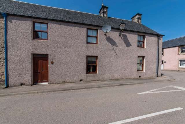 3 Bedrooms Semi Detached House for sale in 4 Lillieshall Street, Helmsdale, Highland, KW8 6JF