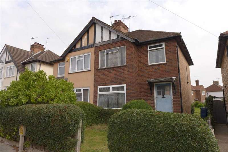 3 Bedrooms Property for sale in Clewer Crescent, Harrow, Middlesex