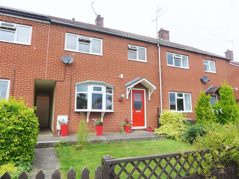 3 Bedrooms Terraced House for sale in Charles Avenue, Trevor