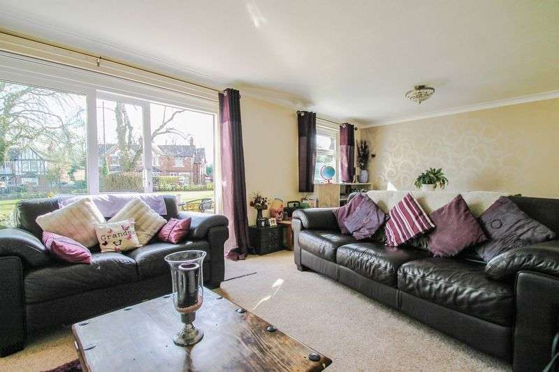 2 Bedrooms Flat for sale in Jesson Close, Walsall Town Centre