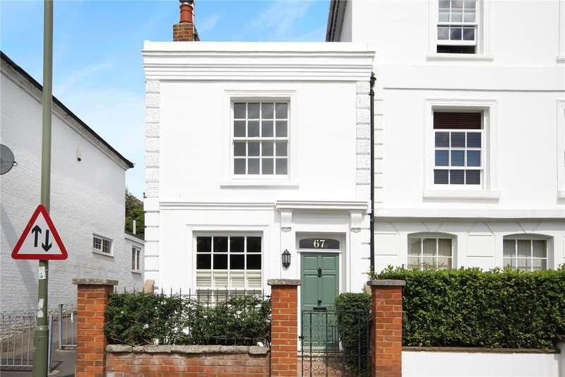 2 Bedrooms Semi Detached House for sale in East Street, Farnham, Surrey, GU9