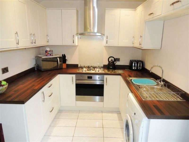 3 Bedrooms Property for sale in Priory Lane, Reddish, Stockport