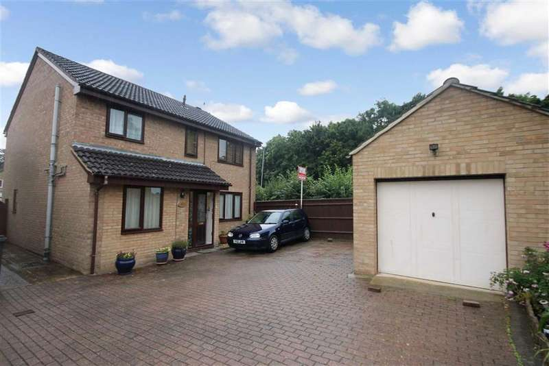 4 Bedrooms Property for sale in Lineacre Close, Grange Park, Swindon