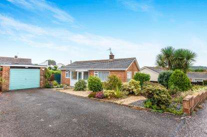 2 Bedrooms Bungalow for sale in Seaton, Devon, England