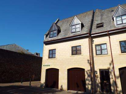 2 Bedrooms Flat for sale in Wells, Somerset