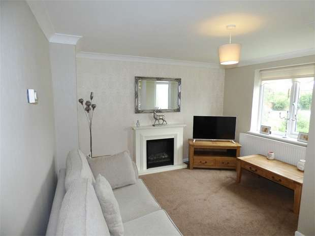 3 Bedrooms Flat for sale in Lord Street, Burscough, Ormskirk, Lancashire