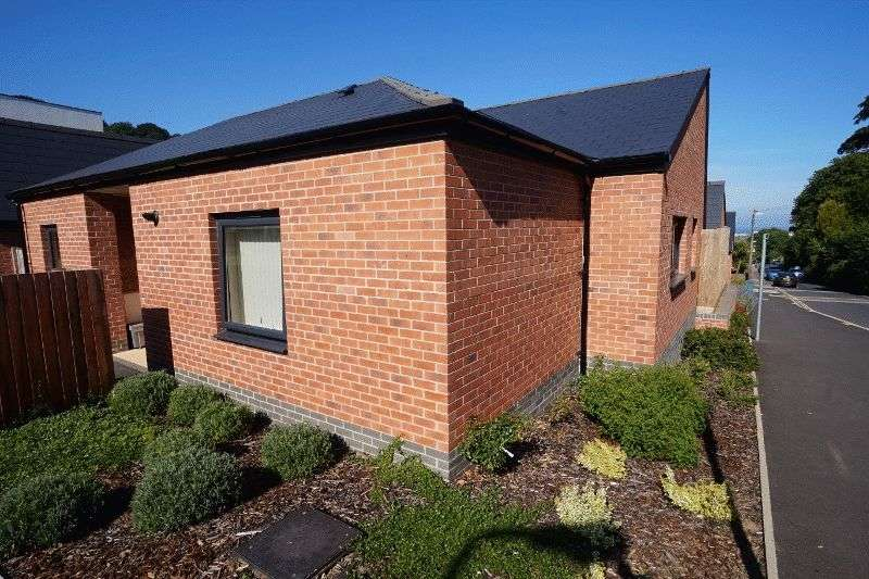 2 Bedrooms Bungalow for sale in HAYES ROAD, PAIGNTON: Ref: AB33